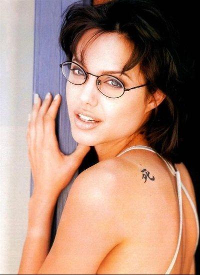 Фото татуировок Анджелины Джоли