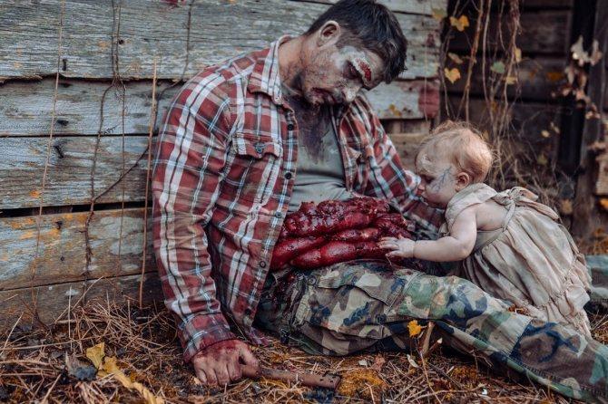 фотография зомби-малышки с отцом