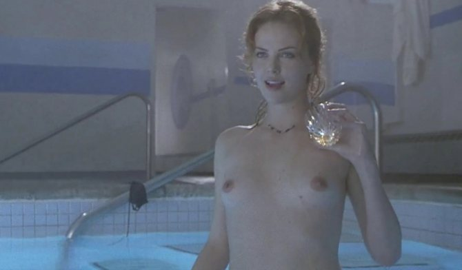 Горячие фото в бассейне с алкоголем
