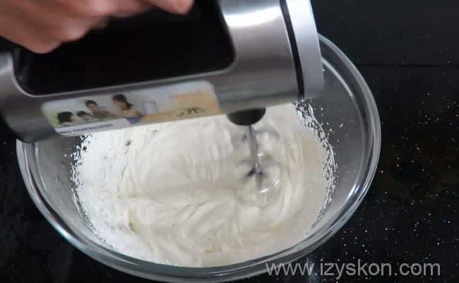 Готовим вкусный крем для торта с маскарпоне и сливками