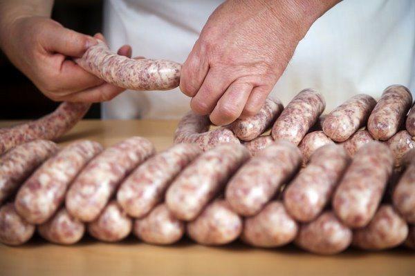 Готовый к приготовлению колбасный полуфабрикат