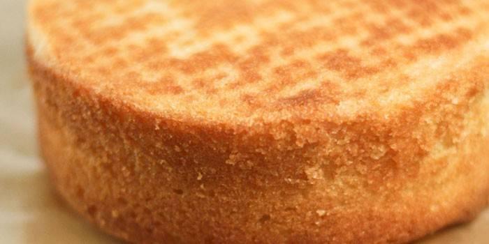 Готовый высокий масляный бисквит