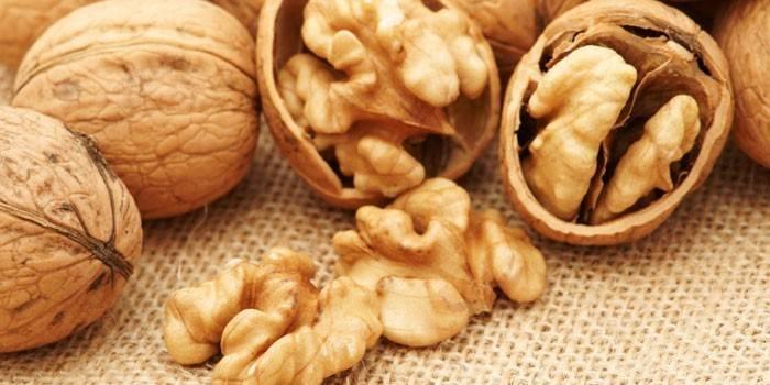 Грецкие орехи и их ядра