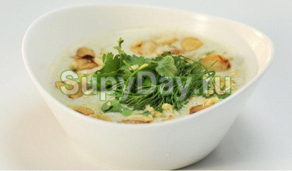 Грибной крем-суп с кедровыми орешками