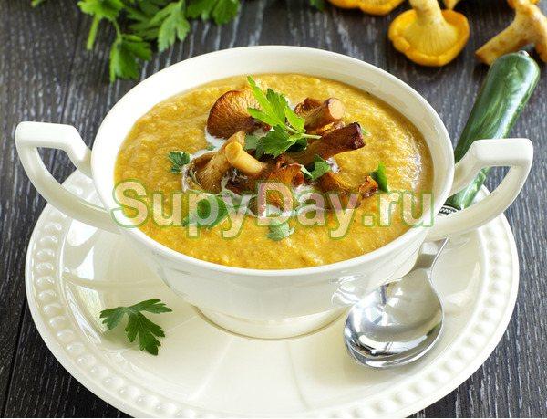 Грибной крем-суп с лисичками и чечевицей