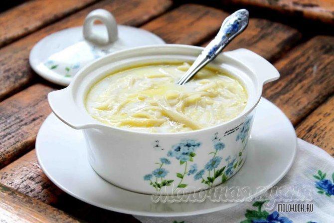 Густой молочный суп с вермишелью