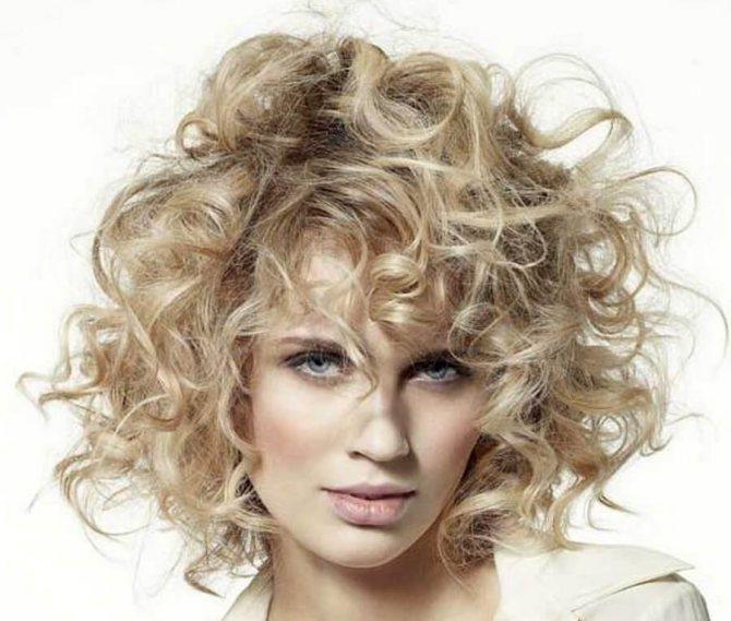 Идеально для вьющихся волос