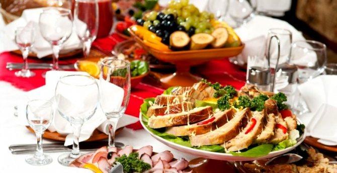Идеальное меню для свадьбы дома: как составить меню на 20-50 человек?