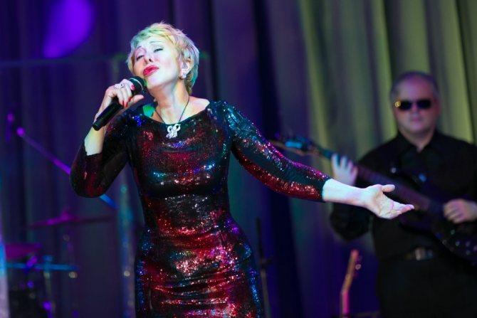 Инстаграм и Википедия Любови Успенской (певица) фото