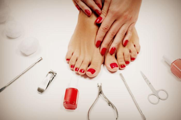 Инструменты и средства по уходу за ногами