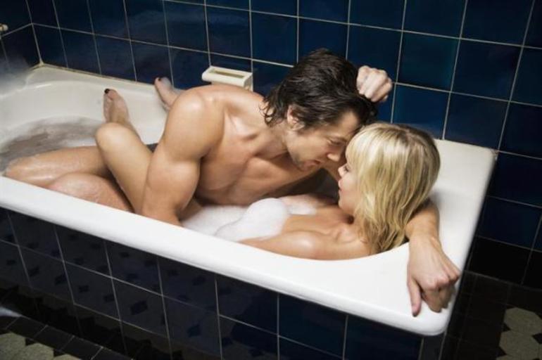 Интимная близость в ванной