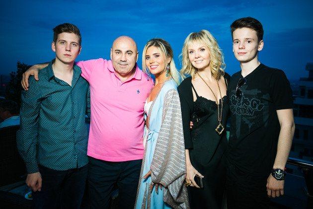 Иосиф Пригожин находится в прекрасных отношениях с детьми своей четвертой супруги от Александра Шульгина
