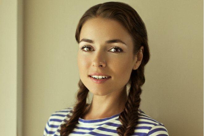 Ирена Понарошку в юности