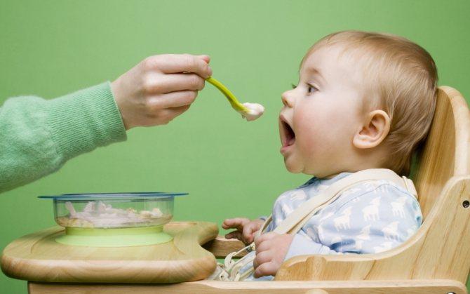 К чему снилось, что кормила младенца?