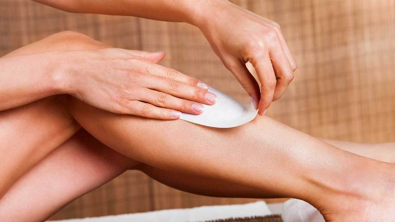 К чему снится брить ноги