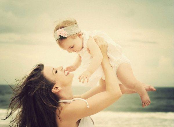 К чему снится маленькая девочка на руках