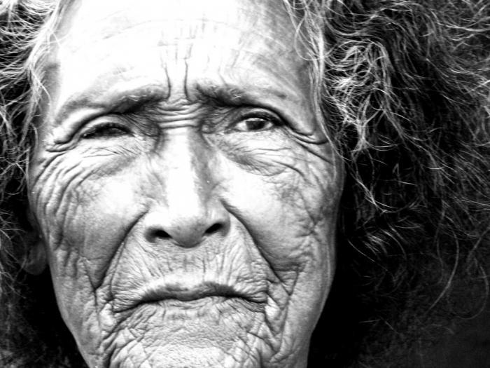 к чему снится умершая бабушка умирающей