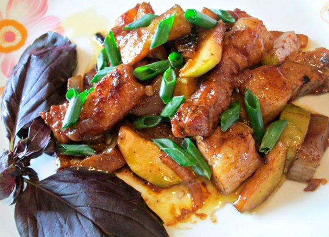 Кабачки со свининой по-китайски