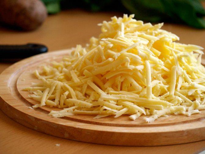 Качественный сыр имеет желтый оттенок