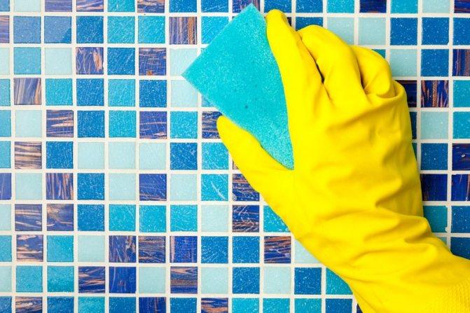 Как и чем отмыть плитку в ванной от известкового налета в домашних условиях