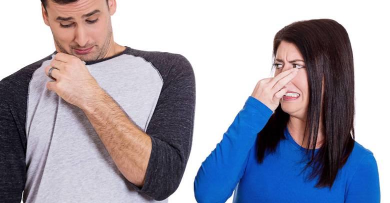 Как избавиться от запаха на одежде?
