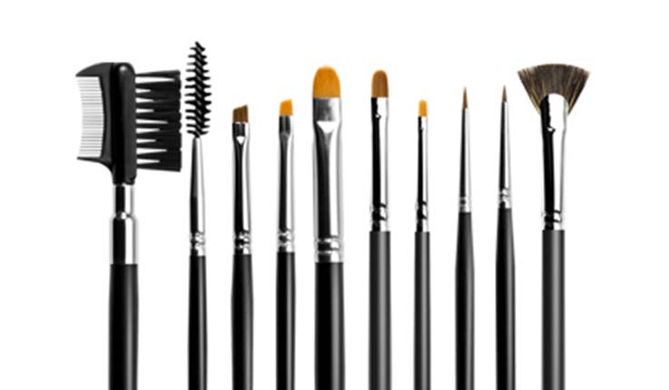 Как красить брови тенями и воском