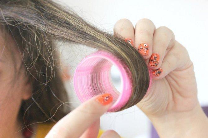 Как накручивать волосы на бигуди липучки