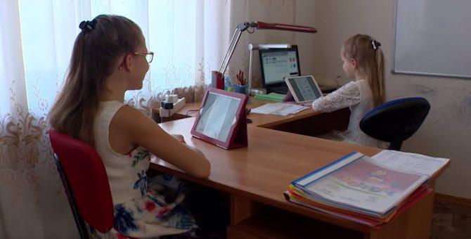 Как научить ребёнка самостоятельно делать уроки Организуем рабочее место