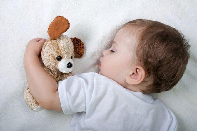 как отучить ребенка спать с родителями в 2