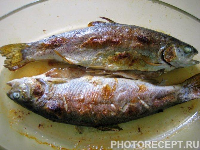 Как почистить маленькую речную рыбу