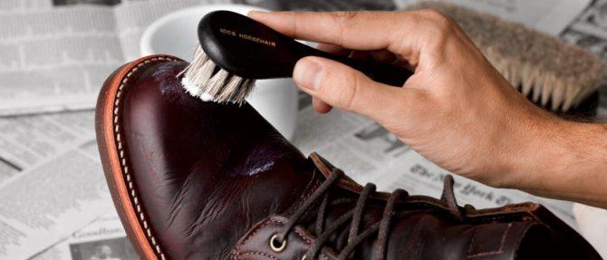 Как почистить обувь внутри: обзор эффективных методов