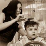 Как подстричь мальчика, мужчину машинкой или ножницами красиво, фото с мамой