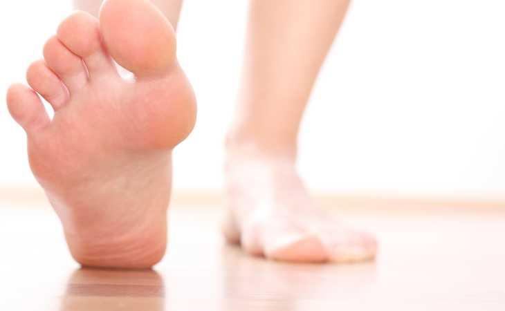Как предотвратить потливость ног
