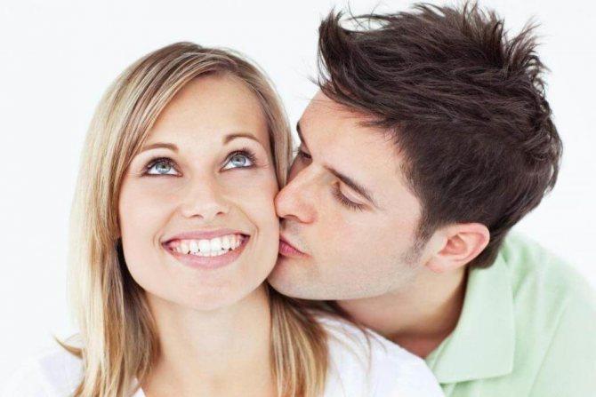 Как предпочитают целоваться в разных странах