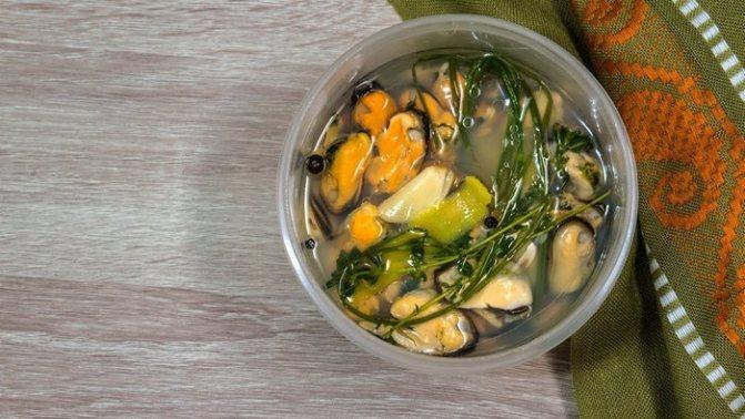 Как приготовить мидии. Рецепты в соевом соусе, сливках, как варить замороженные в ракушках пошагово с фото