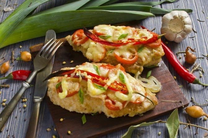 Как приготовить вкусно и быстро куриное филе или грудку в духовке. Рецепты и фото запечённого куриного филе в духовке: с сыром; с ананасом; с картофелем; с помидорами; с грибами