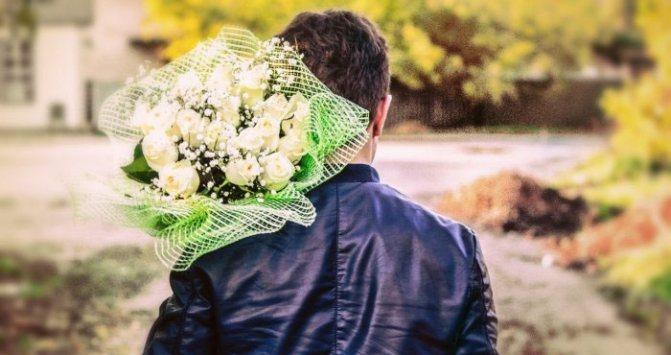 Как распознать альфонса: влюблен или использует?
