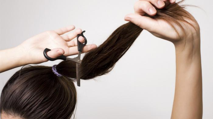 как самому себе подстричь челку