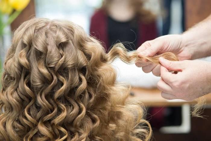 Как сделать кудри на длинные волосы утюжком, плойкой, бигуди. Фото, прически средние, длинные и короткие локоны