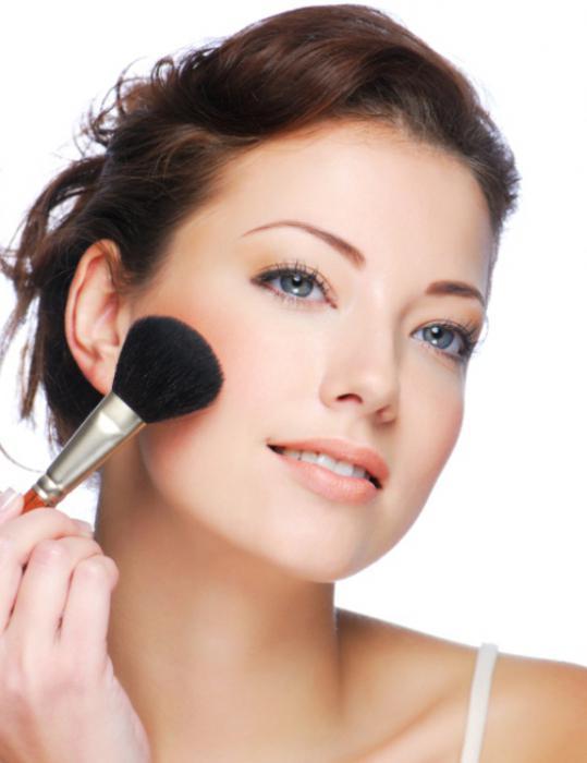 как сделать легкий макияж