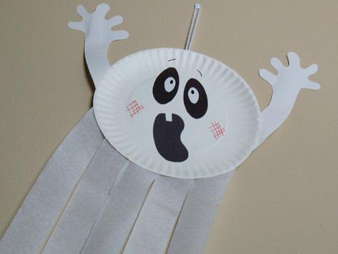 Как сделать привидение из бумажной тарелки