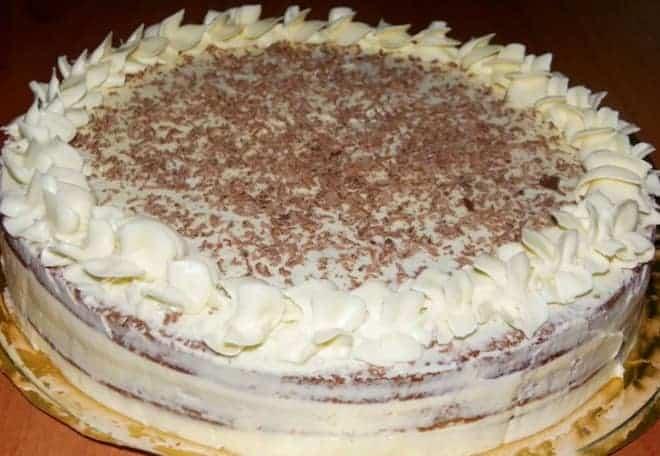 Как сделать простой торт из готовых коржей красивым