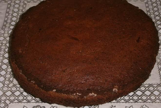 Как сделать торт из готовых бисквитных коржей быстро и легко