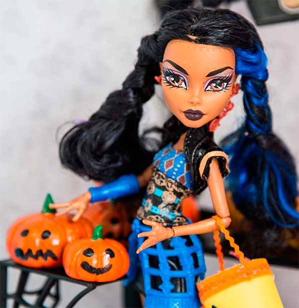 Как сделать украшение на хэллоуин для кукол