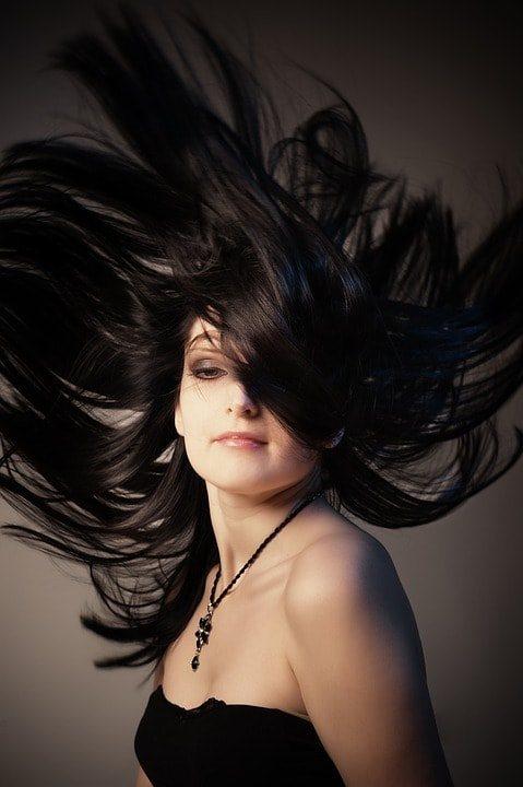 Как смыть краску с темных волос