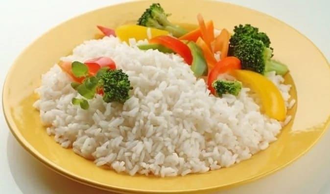 Как сварить рассыпчатый рис на гарнир