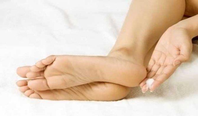 Как удалить огрубевшую кожу на пятках? Домашние рецепты