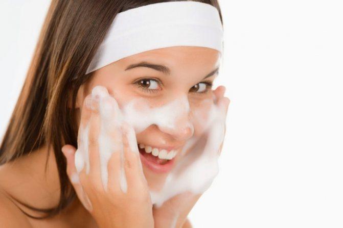 Как ухаживать за кожей лица подросткам: увлажняющий крем, пенка для умывания