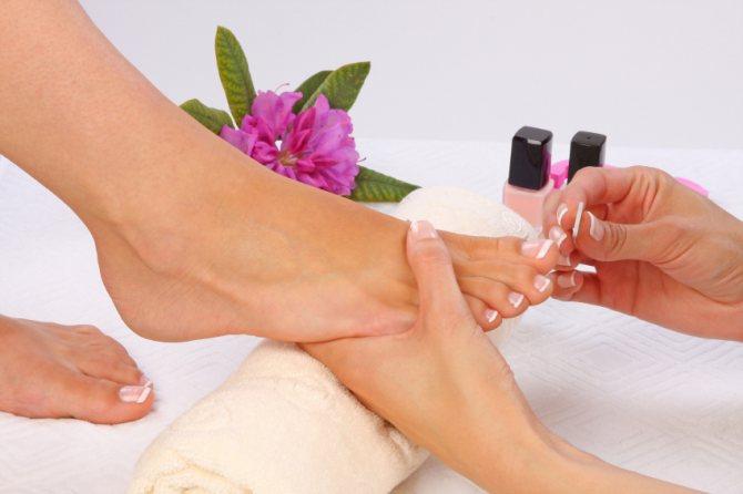Как ухаживать за ступнями и ногтями летом