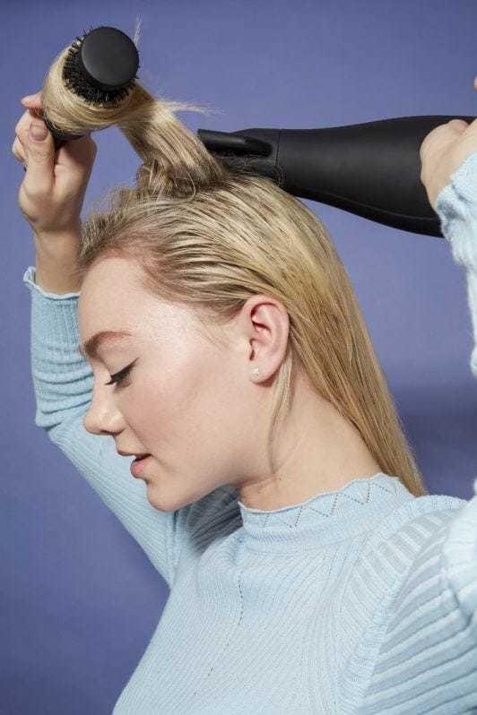 как укладывать волосы феном и щеткой